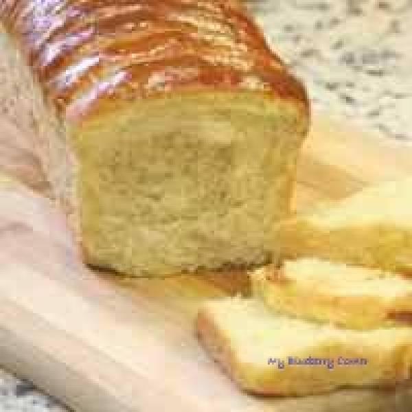 Drożdżowe ciasto z bananem