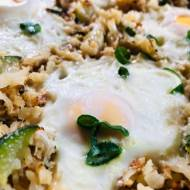 """Shakshuka"" w ryżu z kalafiora"
