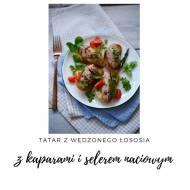 Tatar z wędzonego łososia z selerem naciowym i kaparami