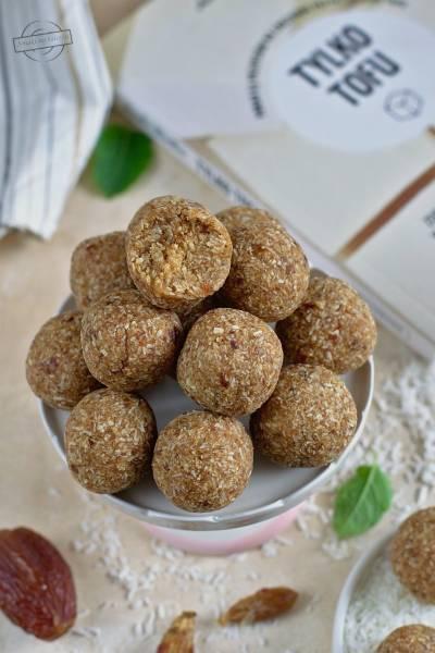 Trufle kokosowo-daktylowe z tofu