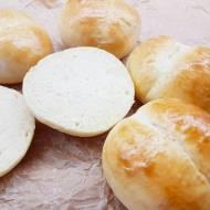 Idealne bułki pszenne – gotowe na śniadanie w 15 min