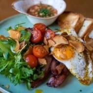 Zdrowe angielskie śniadanie