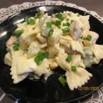 Sałatka makaronowa  z kurczakiem i ananasem