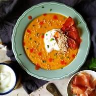 Zupa-krem z młodej marchewki z wędzoną śmetaną, ekspandowaną quinoą i chipsem z Jamón Serrano
