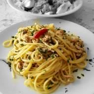 Makaron  spaghetti z tuńczykiem i cytryną