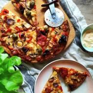Bezglutenowa pizza na spodzie z mąką z quinoy