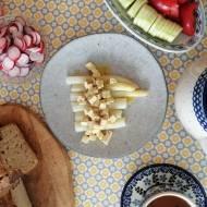 Belgia - Białe szparagi po flamandzku, wersja wegańska (Asperges op Vlaamse Wijze)