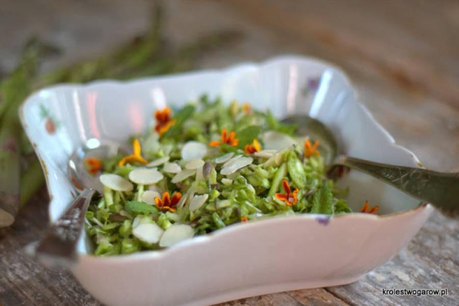 Sałatka z zielonych szparagów