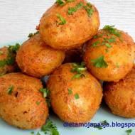 Młode pieczone  ziemniaki w rękawie