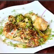 Udka pieczone z mrożonymi warzywami