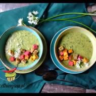 Zupa z czosnku niedźwiedziego z grzankami
