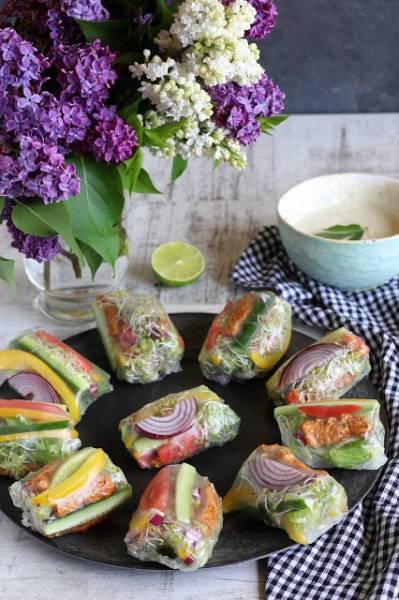 Spring rolls z grillowanym indykiem i warzywami