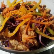 Sałatka orientalna z kurczakiem