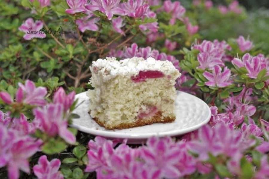 Ciasto drożdżowe bez wyrabiania z rabarbarem.