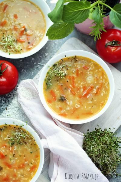 Oszczędna Zupa Tajska – 1 składnik robi robotę!