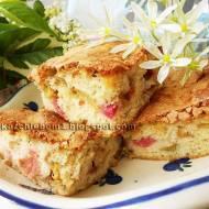Ciasto ucierane z rabarbarem i awokado bez tłuszczu