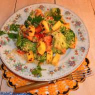 Sałatka brokułowa z sezamem po azjatycku