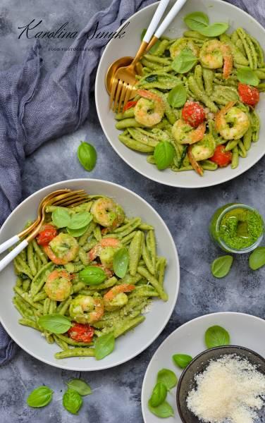 Krewetki w sosie parmezanowym z pesto i pomidorkami. Szybki i prosty obiad!