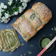 Japoński chleb matcha