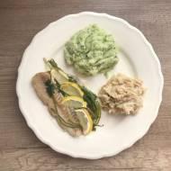 Świeża ryba z piekarnika pieczona w folii