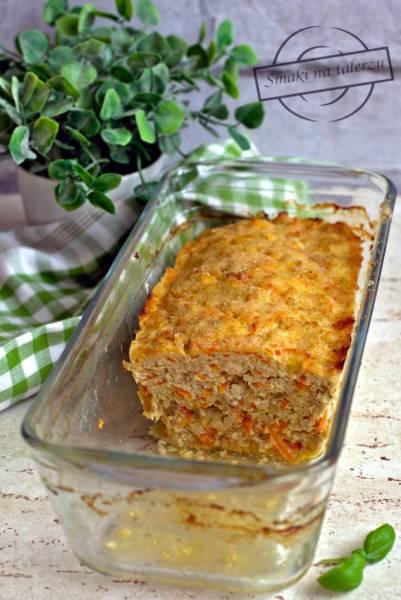 Pieczeń drobiowa z marchewką i mozzarellą