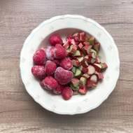 Rabarbarotka czyli szarlotka z rabarbarem i truskawkami