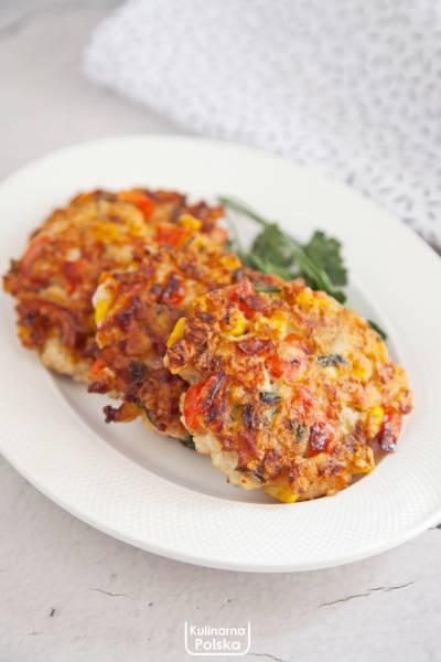 Kolorowe kotleciki z warzywami i kurczakiem. PRZEPIS