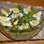 Sałata rzymska z makrelą i jajkiem