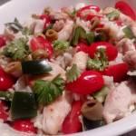 Ryżowa sałatka z kurczakiem i warzywami