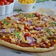 Pizza z boczniakami i mięsem mielonym