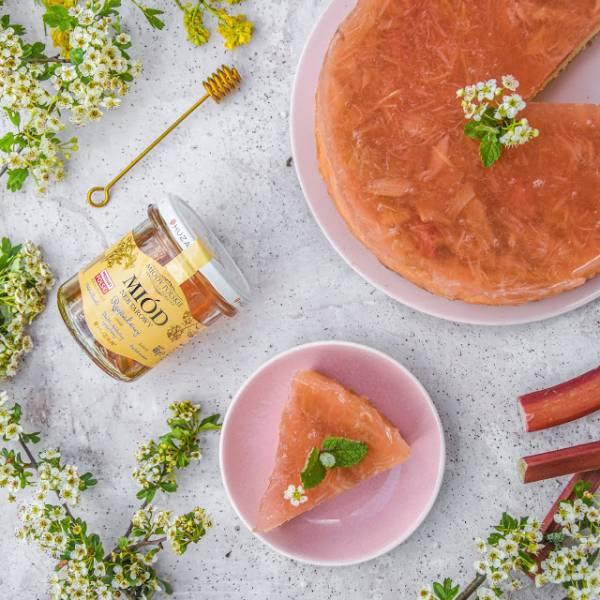 Ciasto z galaretką rabarbarową słodzoną miodem