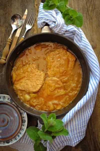 Schab w sosie cebulowym. Obiad w 45 minut!.