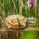 Ciasto kefirowe z rabarbarem i kruszonką