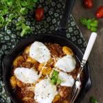 Gnocchi z sosem mięsno-pomidorowym