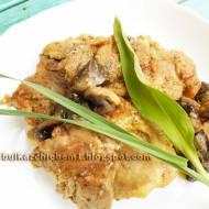 Filety z udźca kurczaka pieczone z pieczarkami