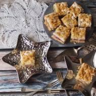 Kruche ciasto z rabarbarem i waniliową pianką