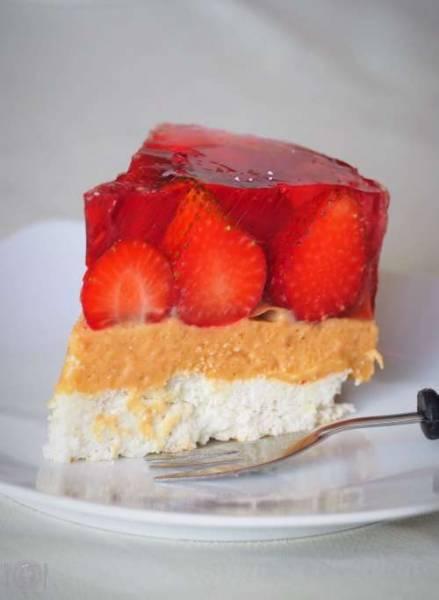 Keto ciasto z rabarbarem i truskawkami (Paleo, LowCarb)