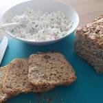Chleb pszenno-żytni z ziarami