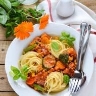 Spaghetti z sosem mięsno - warzywnym