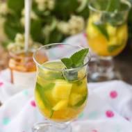 Miętowa herbatka z ananasem i i pigwą w syropie