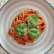 Niewłoskie komfortujące wegańskie spaghetti bolognese na Dzień Dziecka