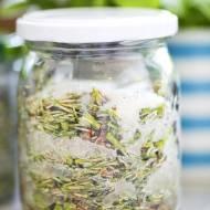Jak zrobić syrop z pędów sosny
