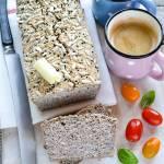 Bezglutenowy chleb z kaszy gryczanej z czosnkiem niedźwiedzim