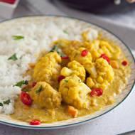 Curry z kalafiora. Przepis na pyszny wegański obiad