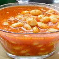 fasola jaś w sosie pomidorowym, prosta i smaczna...