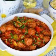Mięsne pulpeciki z warzywami i sosem pomidorowym