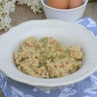 Smażony ryż z jajkiem i marchewką