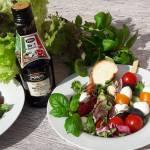 Sałatka z mozzarellą i octem balsamicznym