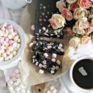 Blok czekoladowy z piankami i płatkami