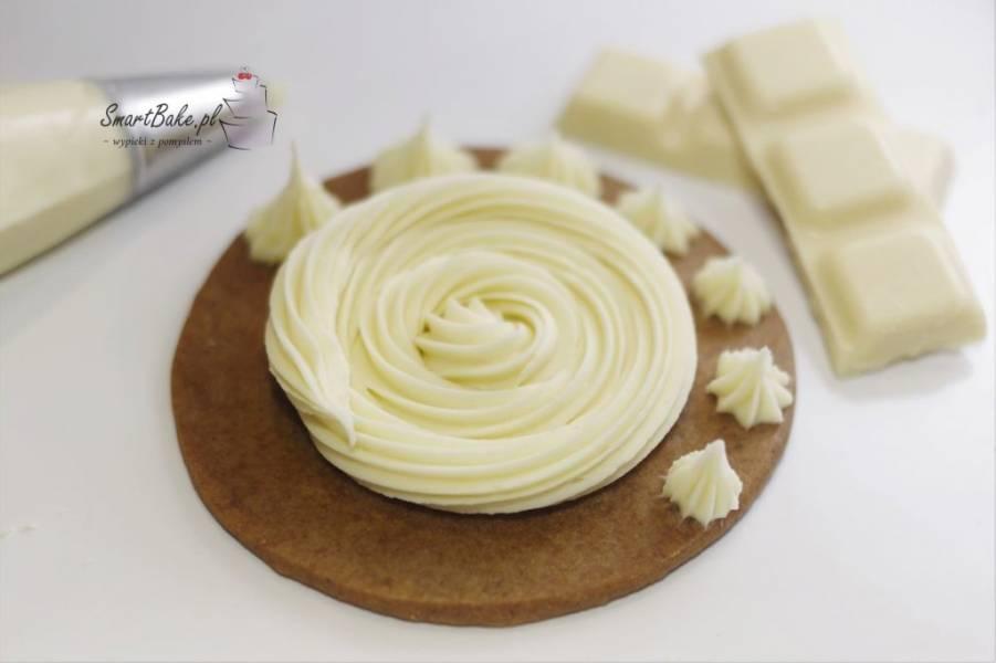 Krem z białej czekolady.